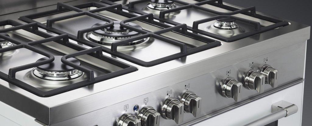 Le nuove cucine bicolor professionali de 39 longhi cookers for Piani di casa aperti con grandi cucine